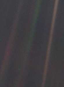 pale blue dot voyager earth
